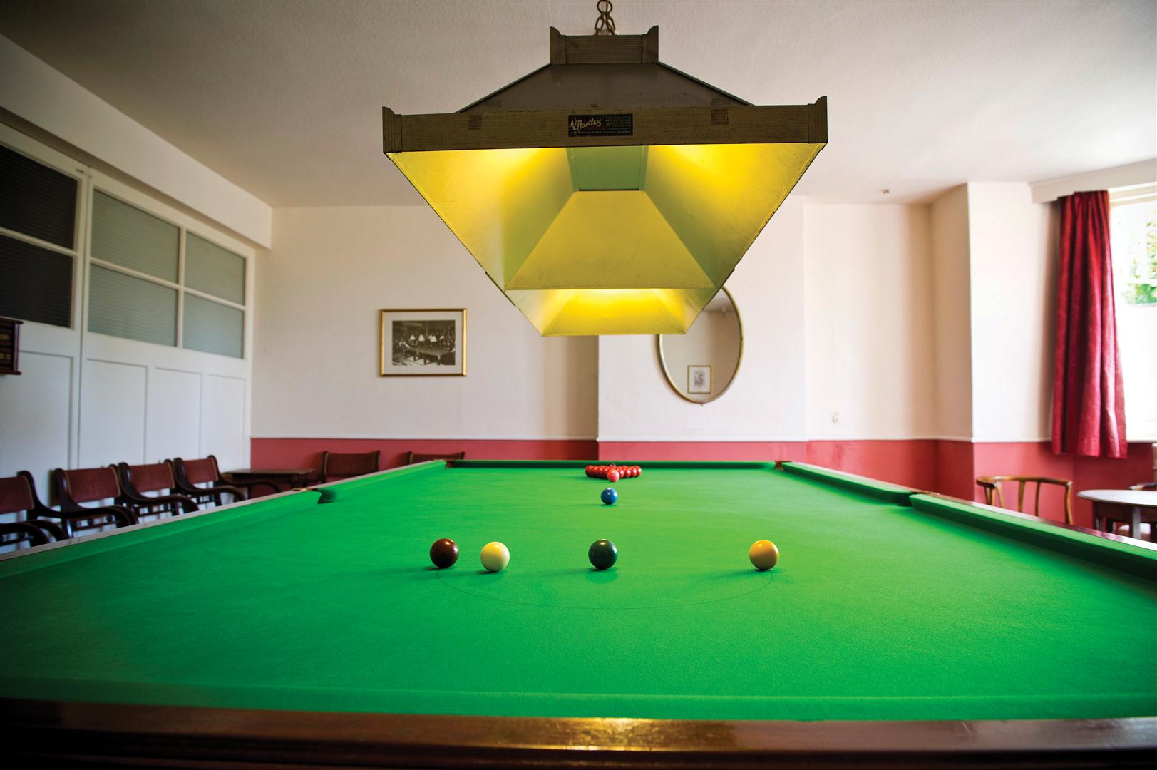 Rooms amenities - Hotels in lansdowne with swimming pool ...
